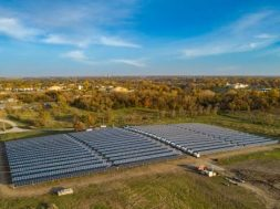 Iowa's first solar and storage power plant goes live at the Maharishi University of Management