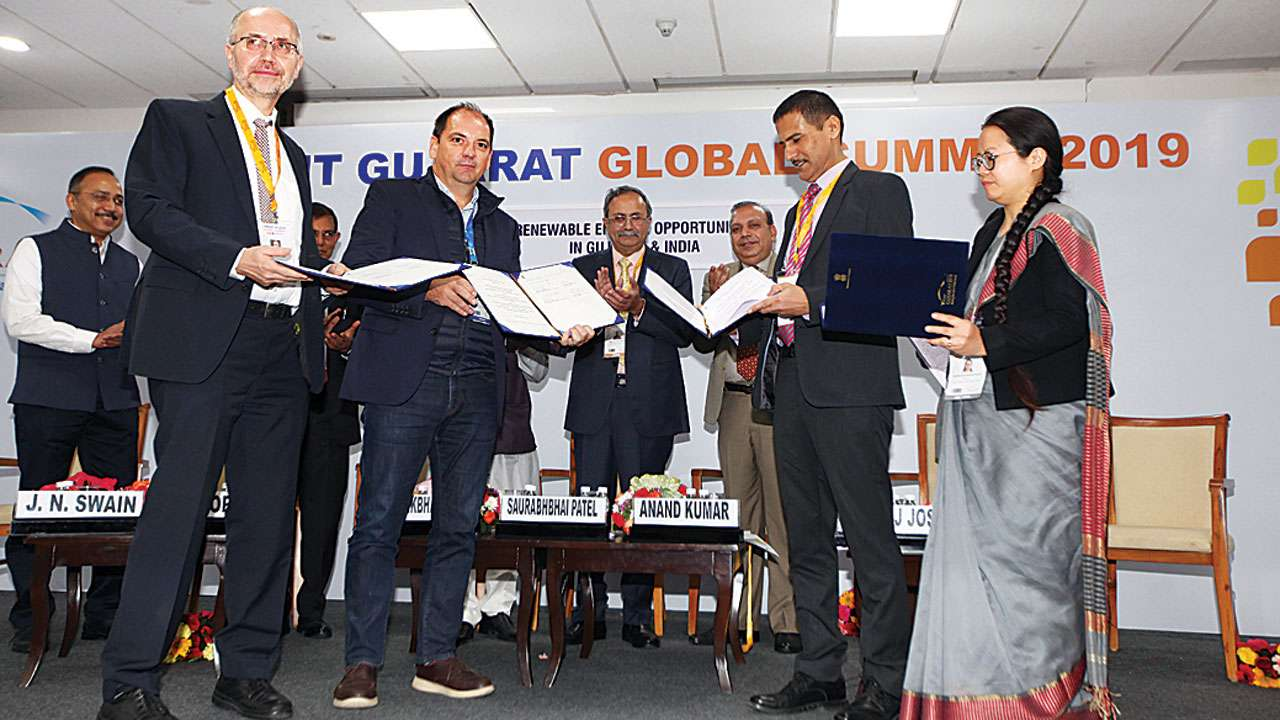 Vibrant Gujarat Summit: Rs 1 lakh cr MoUs signed in renewable power space