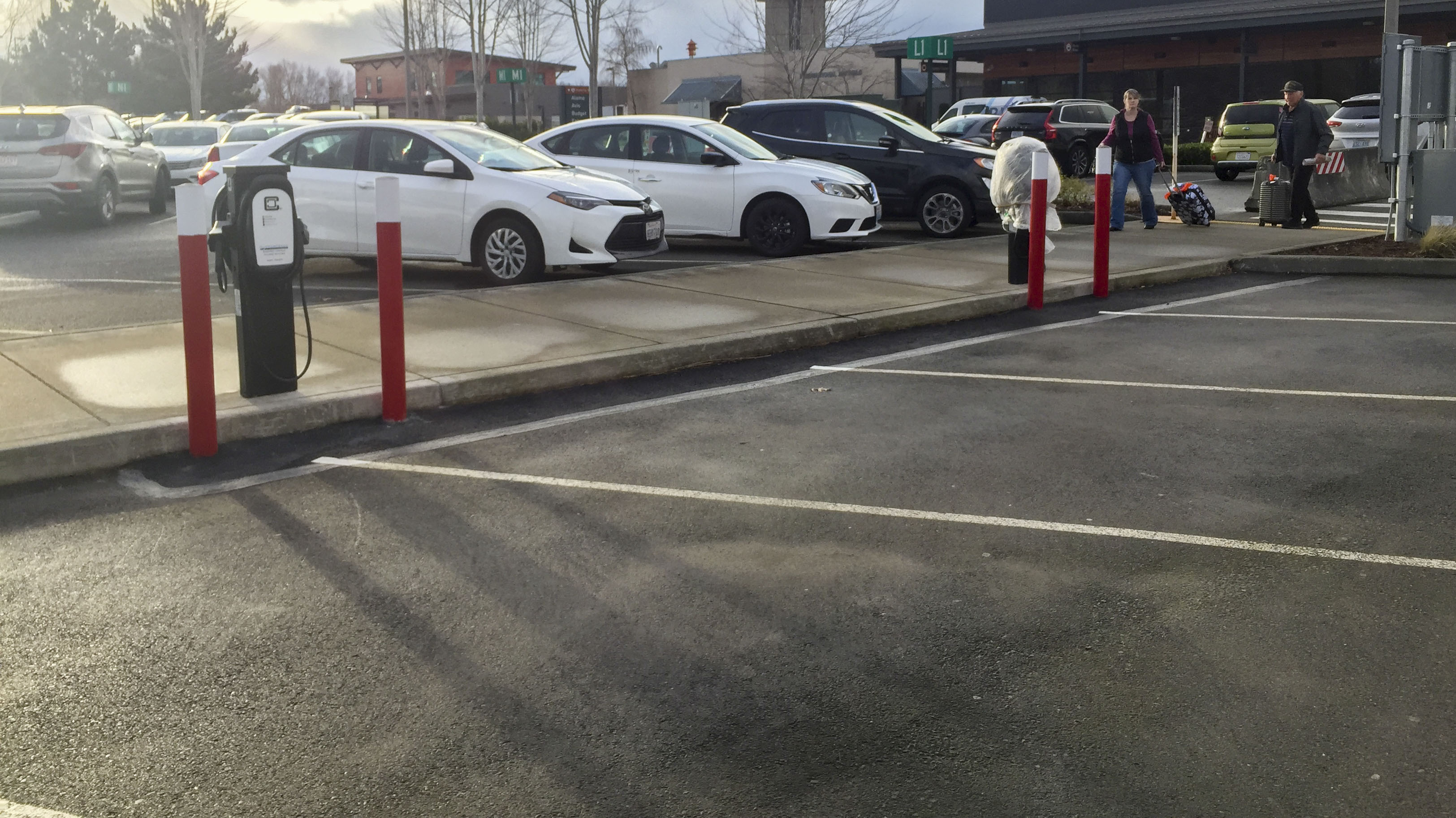 Bellingham Airport Installs Electric Vehicle Charging Stations for Travelers, Employees