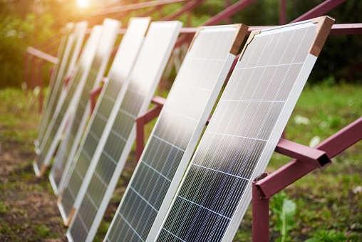 China blocks new solar power projects amid overcapacity fears