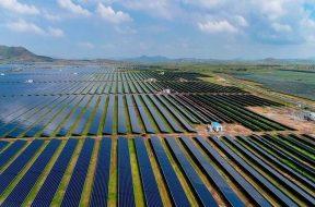 Over 1,500 farmers in Nandurbar apply for Mah CM's Solar