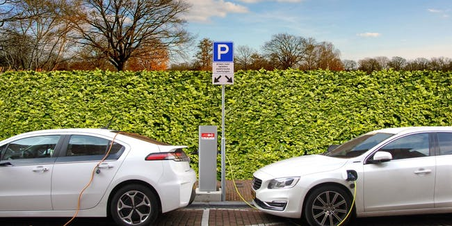 Electric Cars Will Cause Roads to Crumble, Economist Theorizes
