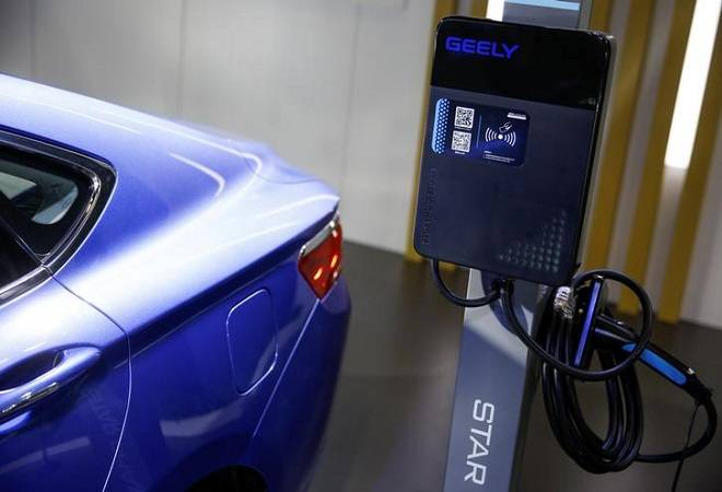 Govt issues guidelines to set up EV charging stations; wants fueling points every 25 km