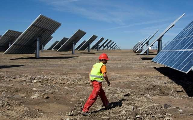 BRIEF: Fortum to build 250-MW solar power plant in India