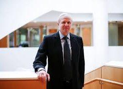 CERAWEEK-Talk to 'Green New Deal' backers, BP CEO tells oil industry