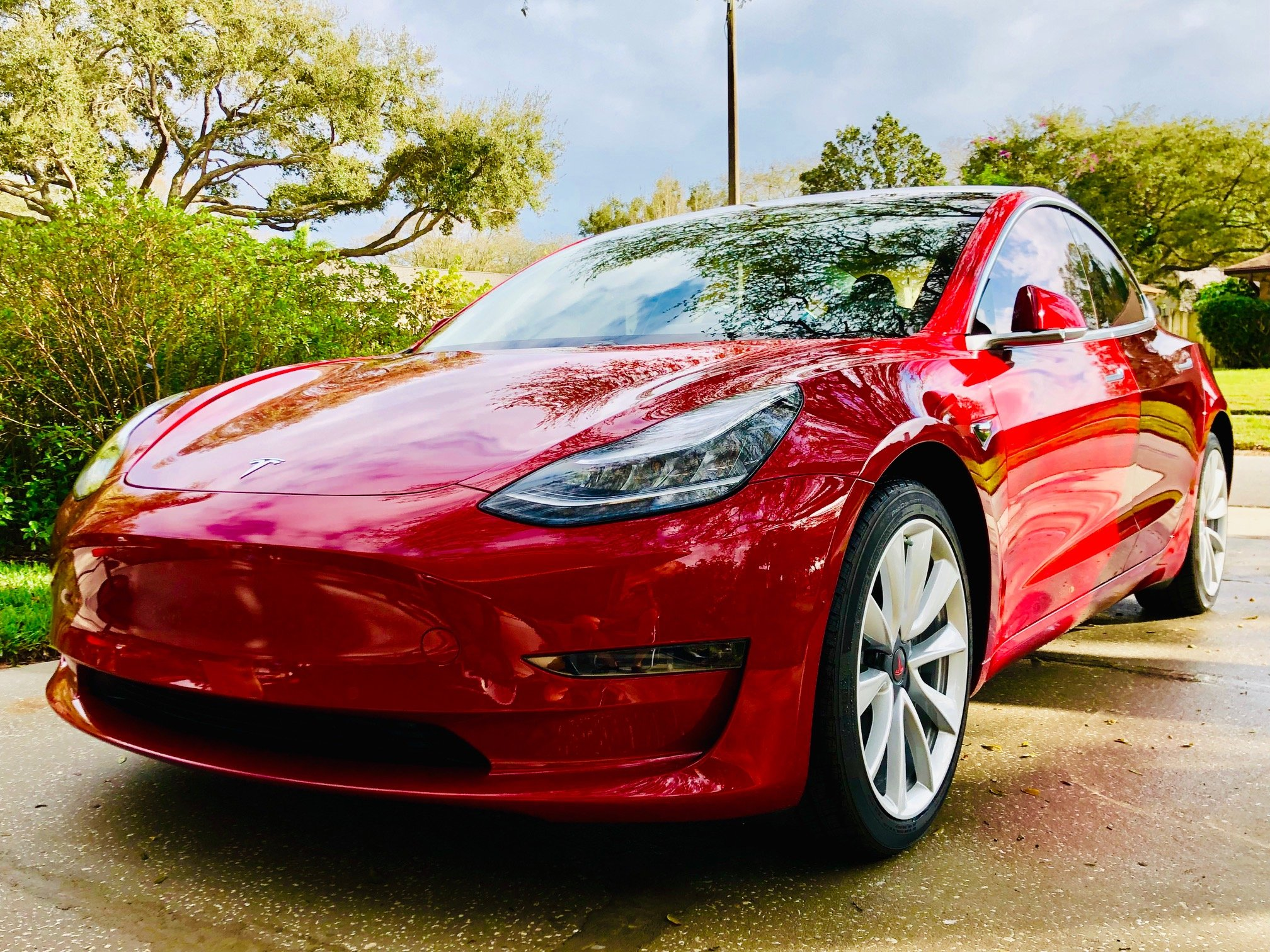 Kelley Blue Book: Tesla Model 3 To Be #2 Vehicle In USA At Holding Value Over 3 Years, But There's More