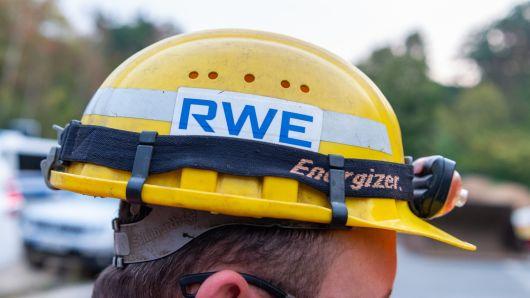 RWE sees falling profits ahead of Innogy, E.ON renewables deal