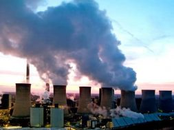 UK greenhouse gas emissions down 2.5 percent as renewables hit record