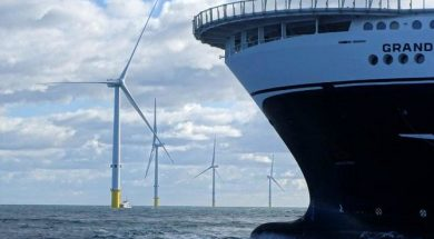 UK targets surge in offshore wind power