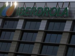 Wind giant Iberdrola steps into the Spanish sun
