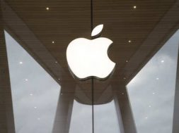 Apple expects cooperation with China on clean energy