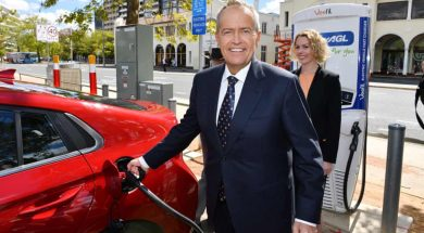 Poll shows 50% of Australians support shifting all sales of new cars to electric vehicles by 2025