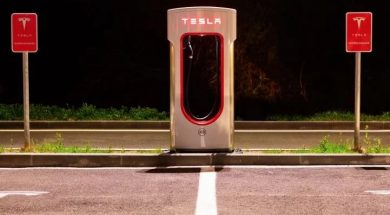 Tesla Suffers Deep Q1 Loss as Solar Installs Continue to Plummet