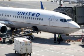 Amputee who says United Airlines took his scooter battery takes battle to court