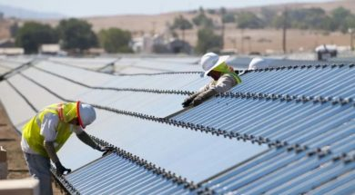 First Solar Slips to Q1 Loss but Sees 'Tremendous Momentum' in Global Solar Market