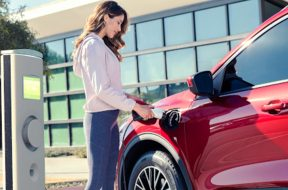 Ford Sticks With Hybrids as Other Automakers Rush to All-Electric Vehicles