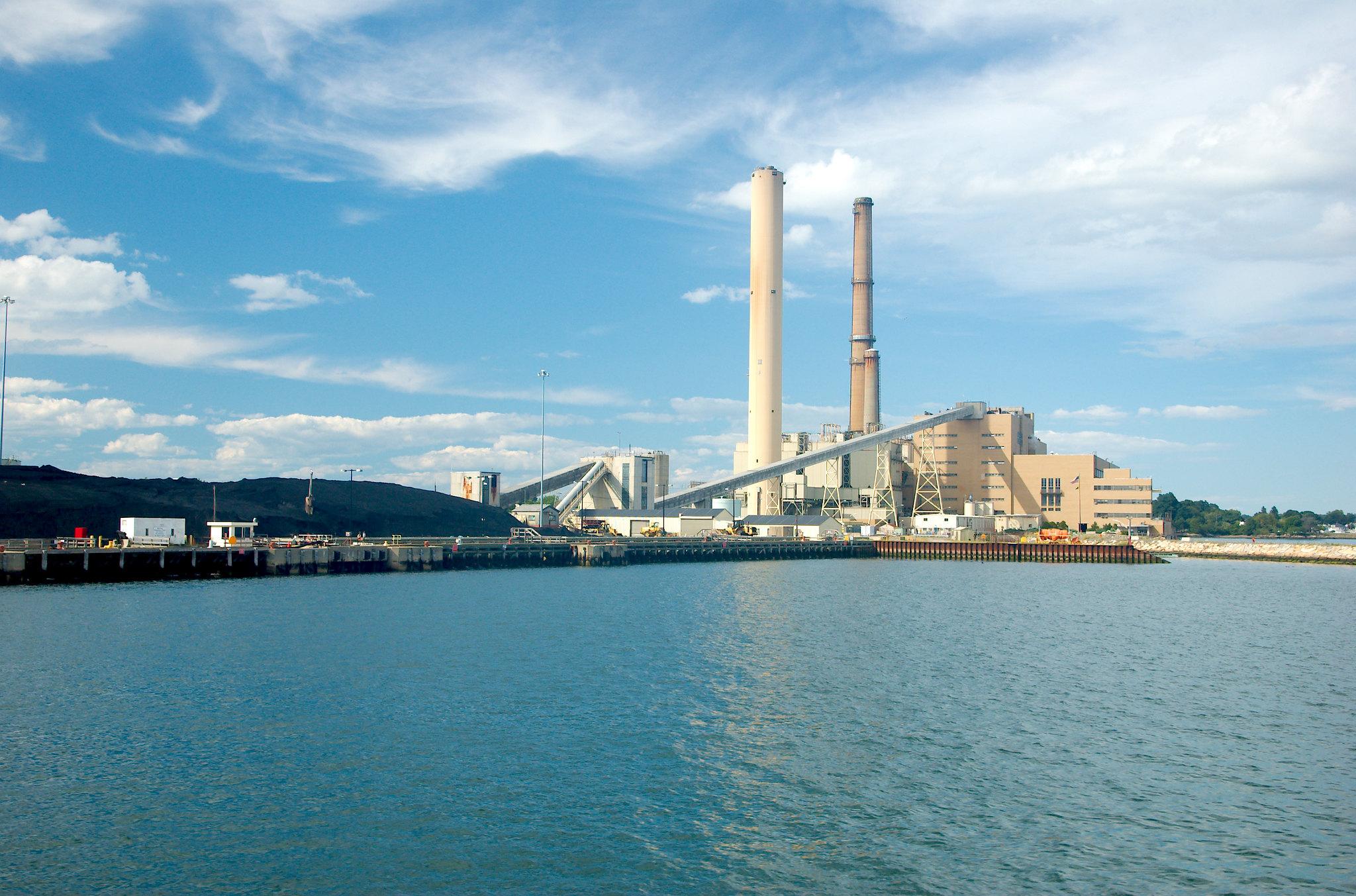 IEEFA: Solar-plus-storage undermines coal economics by 'hundreds of millions' of dollars