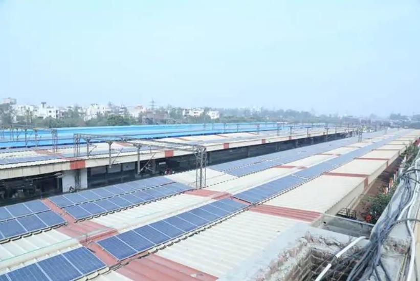 Indian Railways goes green! Delhi's Anand Vihar Terminal railway station saves lakhs with solar power