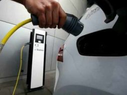 Panasonic to set up 1-lakh-strong charging grid to power electric vehicles in India