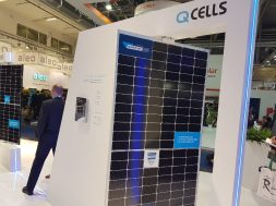 Q CELLS Q.PEAK DUO L-G5.3BF bifacial module at Intersolar Europe