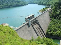 Quebec provincial leader aims to boost use of hydroelectric power