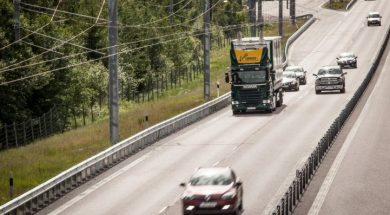 Siemens Sees a Future for Electric Trucks Powered by Overhead Lines