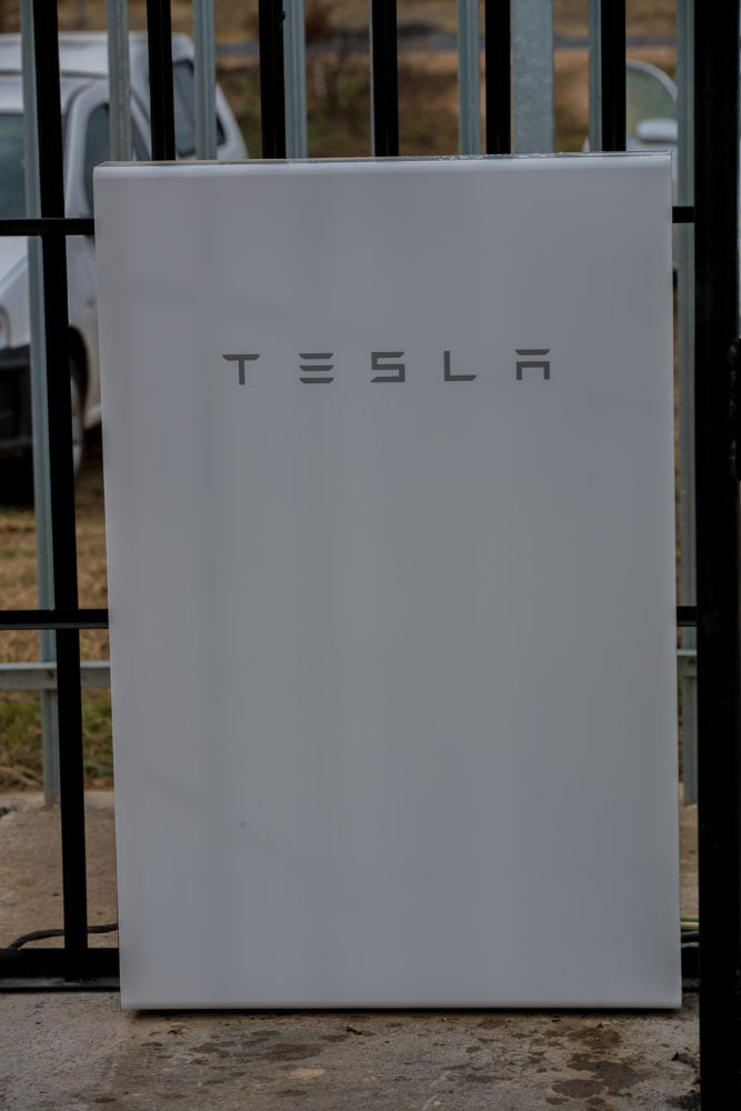520 Tesla Powerwalls To Be Used In Largest Rollout Of AC-Coupled Li-ion Batteries In Telecoms Sector
