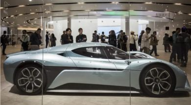 Bankruptcies and slowdown hang over China's electric car market