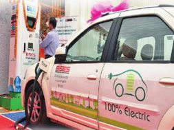 Delhi- Electric car out of charge Now, book your slot on app