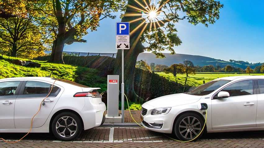 Electric Vehicles: What Society of Indian Automobile Manufacturers says about EV targets by government