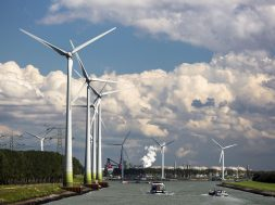 Large-scale battery prevents Dutch wind farm's power from being wasted