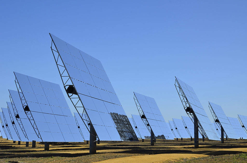 U.S. solar power installation outlook brightens on falling costs -report