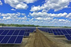 The-Largest-Solar-Project-in-Michigan-Installed-with-Solar-FlexRack-031517-M