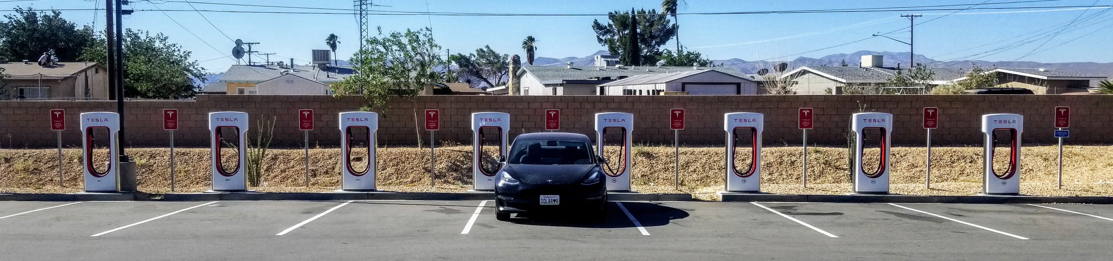Vegas, Baby! Los Angeles To Vegas & Back In A Tesla Model 3 — 8 Hours Of Driving & 70 Minutes Of Charging