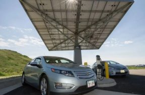 Bipartisan Transportation Bill Includes Up to $1B for Electric Vehicle Charging