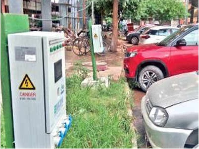 Centre seeks status report on electric vehicles from UT