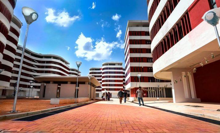 IIT Hyderabad develops low-cost, eco-friendly solar cells using 'kumkum dye'