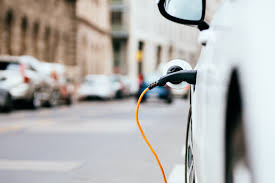 MAJOR FLEETS GO GREEN AS BIG BUSINESS GRASPS ELECTRIC VEHICLE OPPORTUNITY