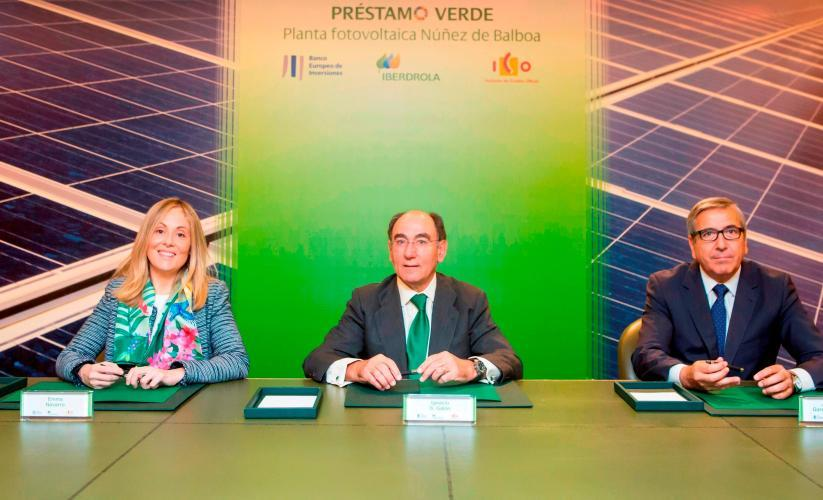 Spain: EIB and ICO sign a green financing deal with IBERDROLA for the largest photovoltaic power plant under construction in Europe, in Extremadura