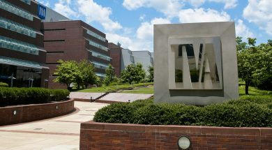 TVA_offices_in_Chattanooga,_Tennessee_by_Tennessee_Valley_Authority_Flickr_TVA