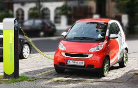 EESL signs its first MoU with a private partner, Apollo Hospitals, to boost EV charging infrastructure