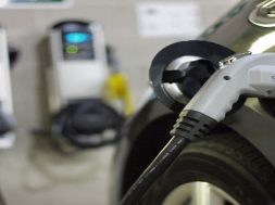 Gujarat planning new EV policy, aims at 1 lakh EVs on road by 2022- Report