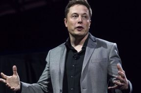 Musk 'violates' SEC settlement with solar production tweet
