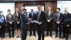 ADB inks deal to finance first large-scale floating solar power plant in Vietnam