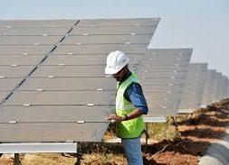 India to Build 30 Gigawatts of Renewable Plants Along Western Border