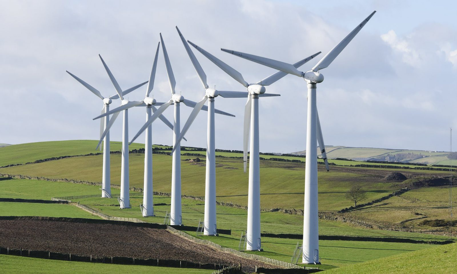 UK Generates More Electricity From Renewable Sources Than Fossil Fuels For The First Time