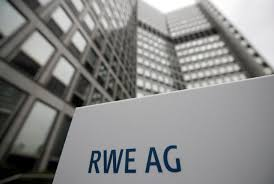 UPDATE 2-Fresh off E.ON-asset swap, RWE renewables outlook disappoints