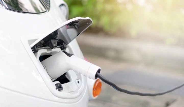 WoodMac: Workplace EV Charging Is on the Rise