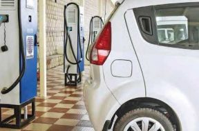 EESL commissions first EV charging station in south Delhi under pact with SDMC