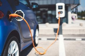 EESL signs MoU with HPCL to develop Public Charging Infrastructure for Electric Vehicles